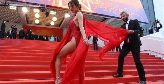 Каннские дивы: топ самых сексуальных нарядов с красной дорожки Каннского кинфестиваля-2019