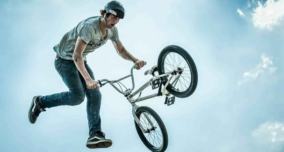 Летний транспорт: почему полезно кататься на велосипеде?
