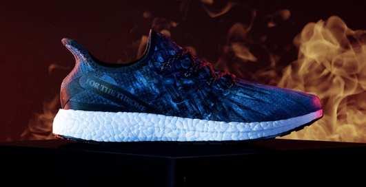 """Кроссовки под цвет трона: Adidas создали обувь специально для поклонников """"Игры престолов"""""""