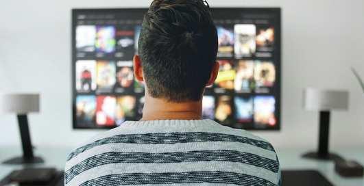 Смотреть ночью: Спилберг снимает сериал, который можно будет смотреть только после полуночи