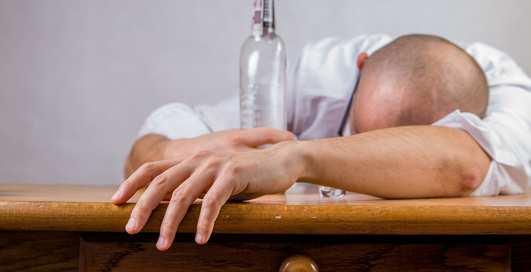 Тяжелая голова: чего не стоит делать при похмелье?