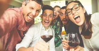 Красное VS белое: чем отличаются любители разных сортов вин