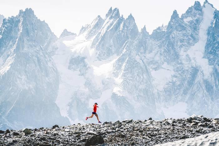 Шамони, Франция. Бегунья Фернанда Мациель. Ultra Trail Mont Blanc 2018