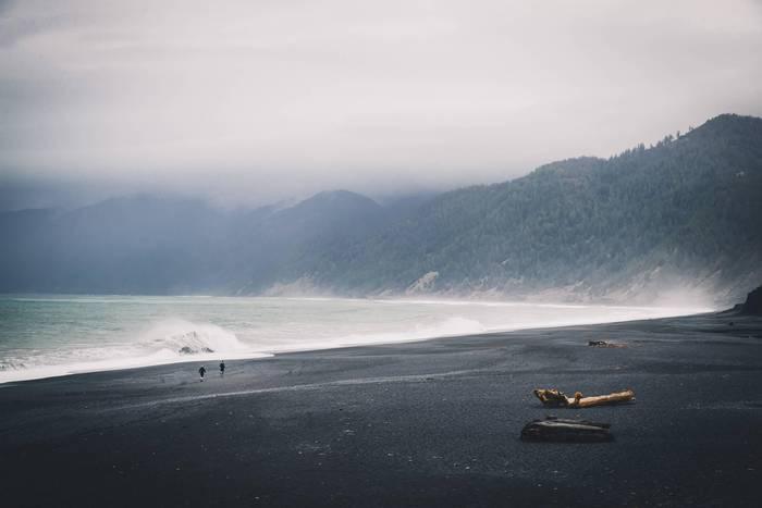 Калифорния, США. Черные пляжи в Шелтер Кови. Lost Coast Trail 2018