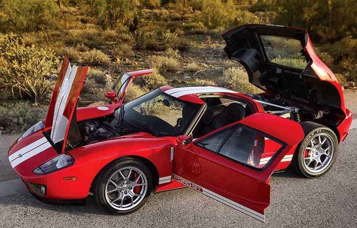 Ford GT, с обузданием мощи которого угонщики не справились