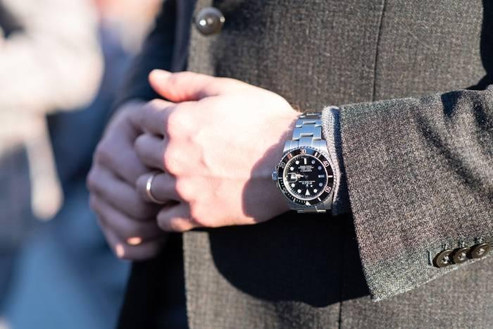 Часы сообщают о качестве жизни, статусе мужчины, об отношении к самому себе, о его прошлом и настоящем