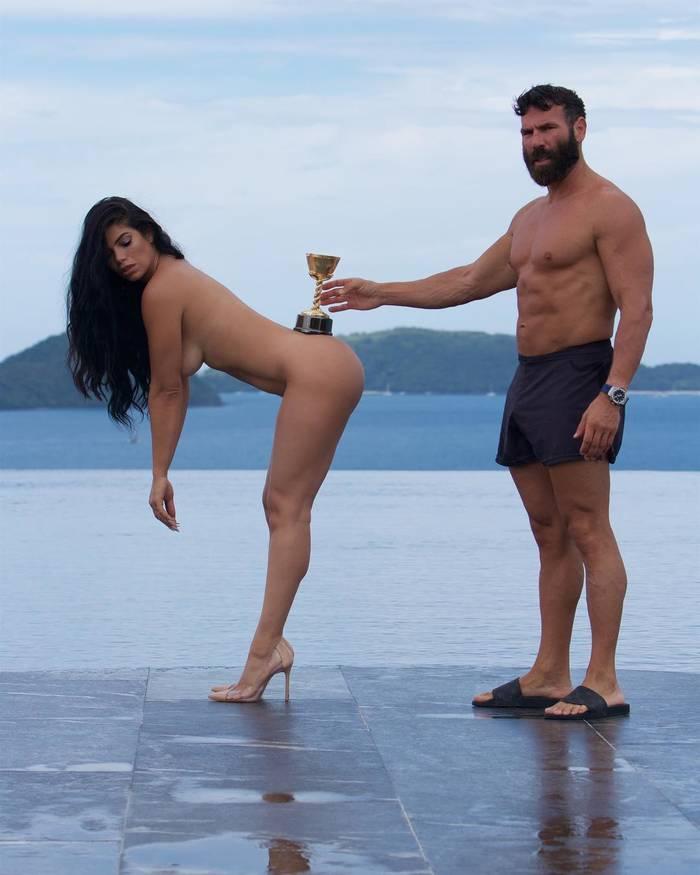 Более сильнее и привлекательнее мужчины (но не женщины) чаще выбирают секс без любви. На фото — Дэн Билзерян