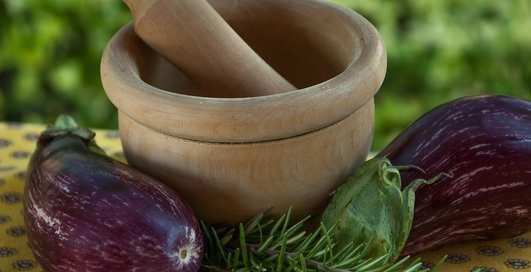 """Икра из """"синеньких"""": чем полезны баклажаны и как их приготовить"""