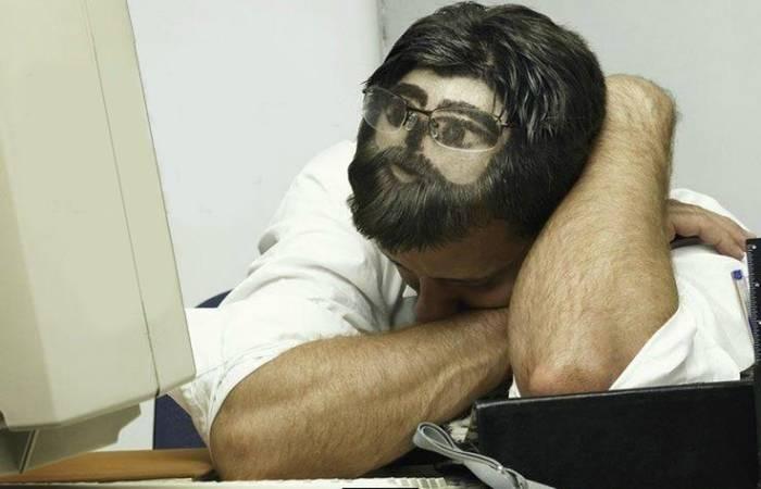 Главное во время сна в офисе — не «палиться»