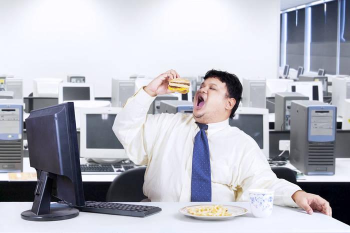 Регулярное недосыпание прибавит калорий и лишних килограммов