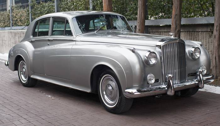 Bentley S-2 — еще один британский представитель класса роскоши и комфорта