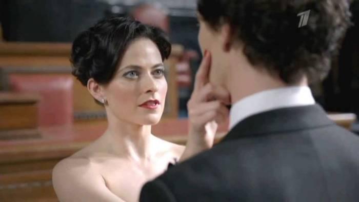 Шерлок - типичный асексуал, даже раздетая девушка не вызывает эмоций