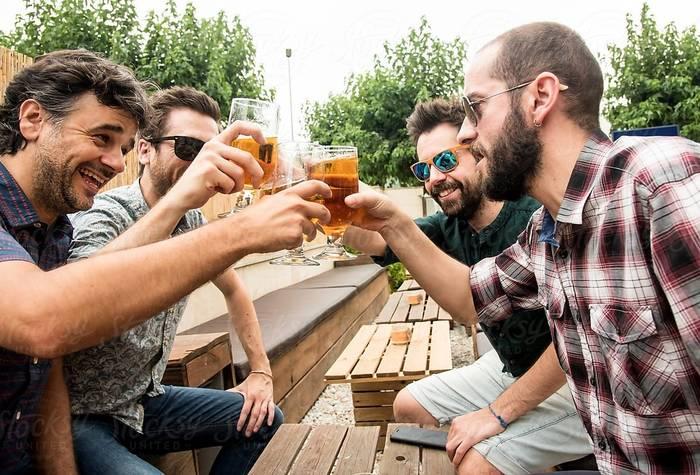 Семейная жизнь — хорошо, но про друзей забывать не стоит