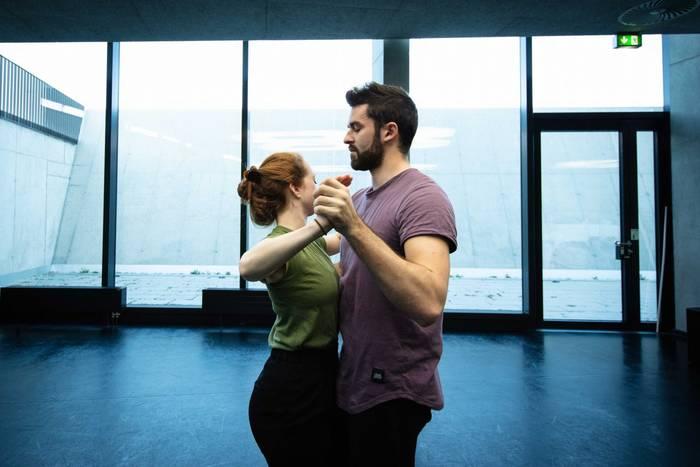 Женщины всегда были без ума от «танцующих» мужчин