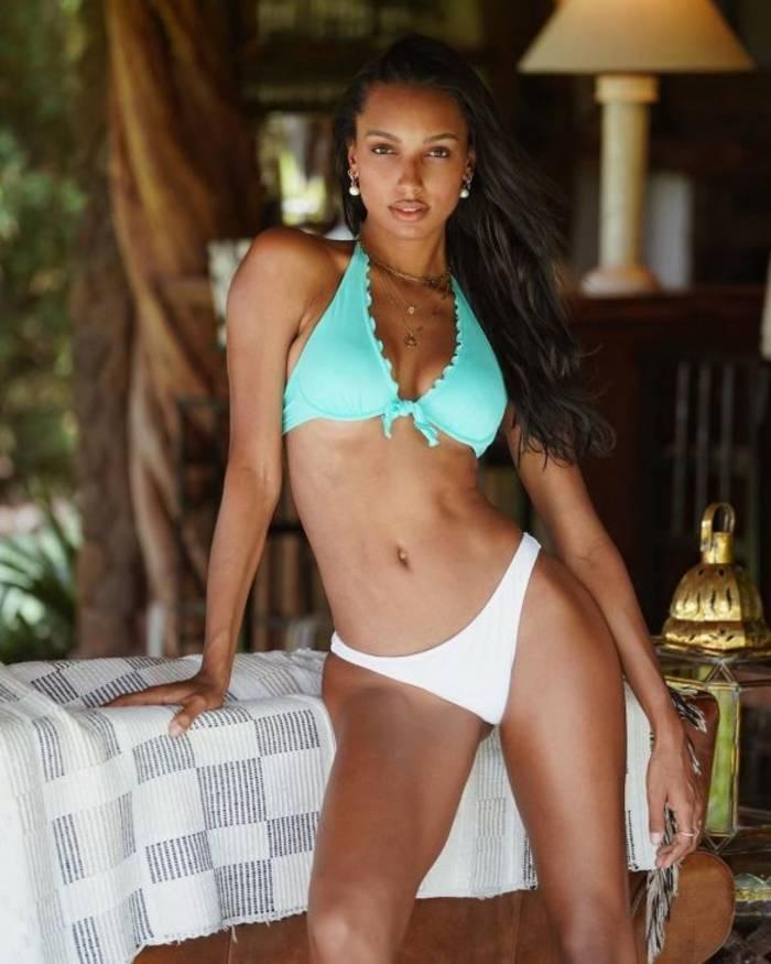 Жасмин Тукс в бикини Victoria's Secret отдыхает на Сейшелах