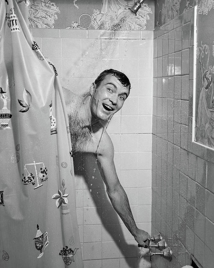 После отдыха на природе сразу принимай душ
