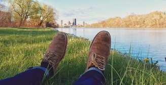 Летние скороходы: трендовая мужская обувь для жаркого времени года