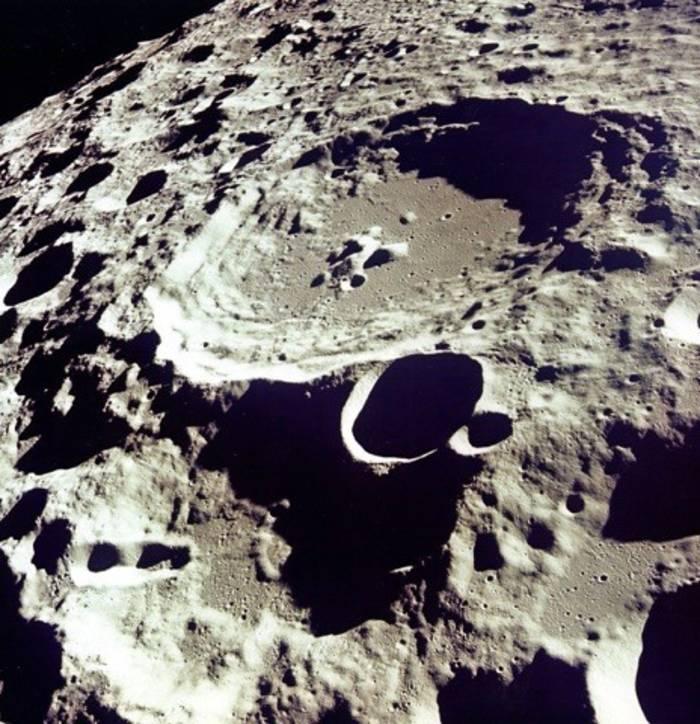 В фильме использованы видеоматериалы из исследовательских центров НАСА, Национального архива, а также новостных репортажей былых лет