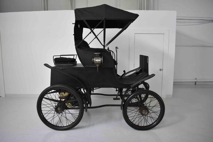 Riker Electric Car 1898 года собираются продать с аукциона