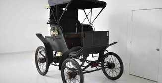 "Дедушка ""Tesla"": с аукциона уйдет электрокар 1898 года"
