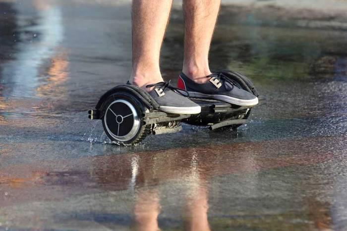 Кататься на гироскутере в дождь = повышенный риск травмироваться