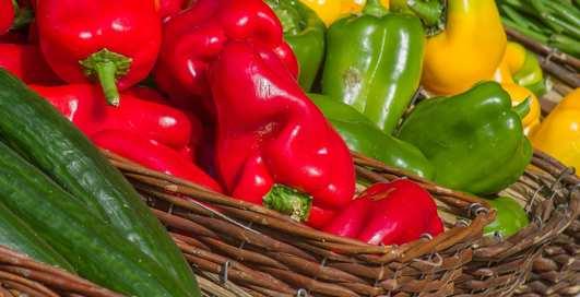 Яркий и полезный: 7 причин, по которым стоит есть болгарский перец