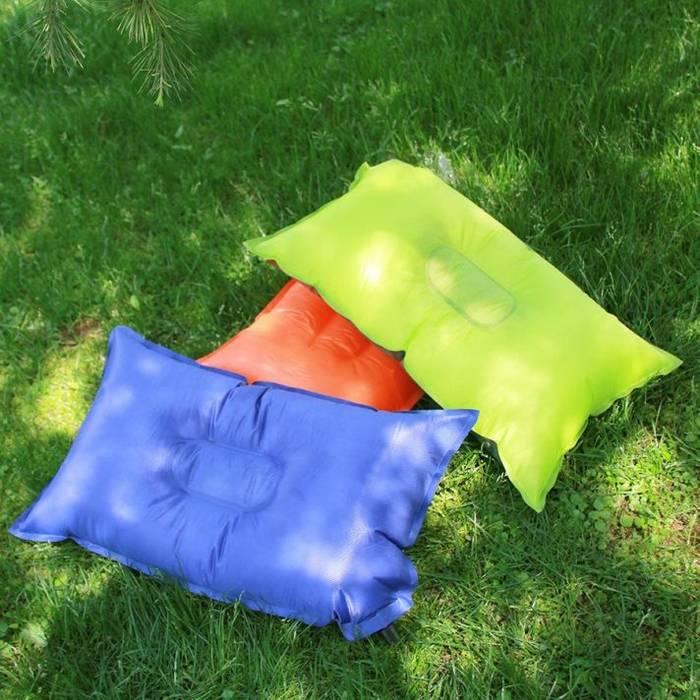 Надувная подушка — самый практичный вариант для отдыха с палаткой