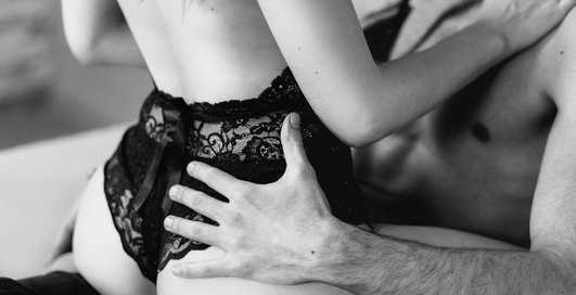 Осторожно, интим: топ-3 самые травматичные позы для секса