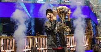 Миллионер в 16: юный геймер выиграл чемпионат мира по Fortnite