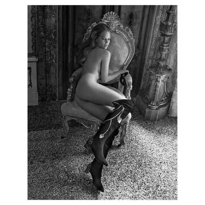 Анна Эверс. Стала моделью в 2012. Живет в США