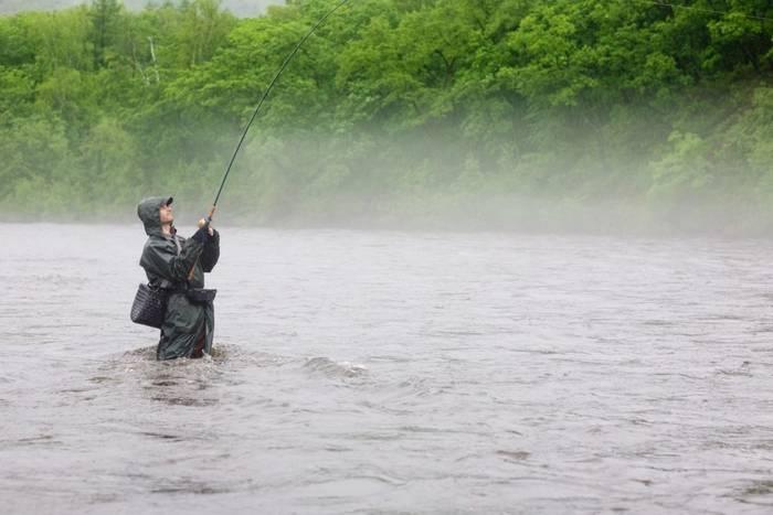 Рыбалка в дождь: выбирайте экипировку, в которой будет сухо и комфортно