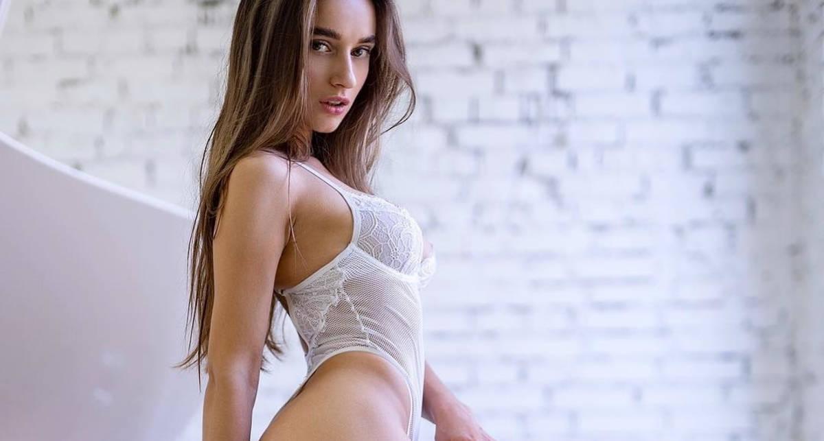 Красотка дня: украинская модель и звезда Playboy Глория Сол
