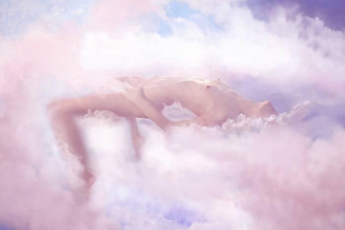 Эротические сны бывают разные - от фантасмагорических до вполне реальных с реальными людьми