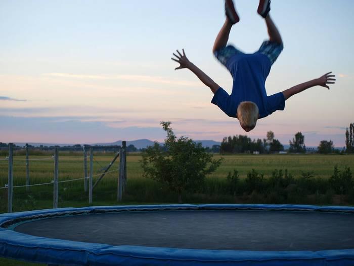Фитнес на батуте - и весело, и полезно