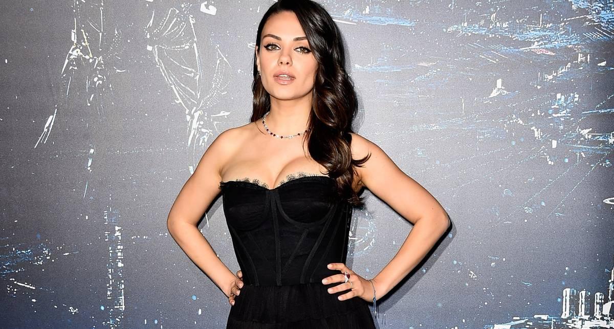 Милашка Кунис: топ-15 сексуальных фото актрисы-именинницы
