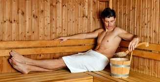 Банный день: чем отличаются сауна, русская баня и хамам?