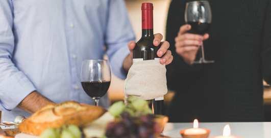 Виноспорт: бокал красного перед сном заменит час тренировки — ученые
