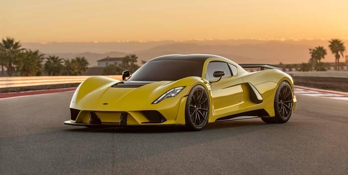 4 место: Hennessey Venom GT Spyder – 427 км/ч