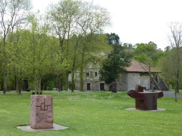 """Музей и парк скульптур """"Чильида-Леку"""" Эрнани, Испания."""