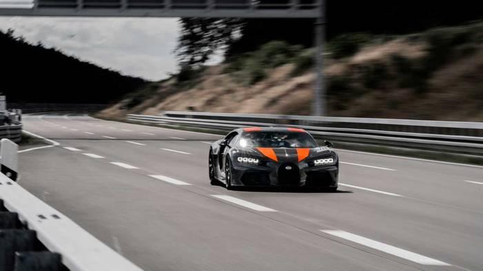Bugatti Chiron разгоняется до 500 км/ч. Это абсолютный рекорд.