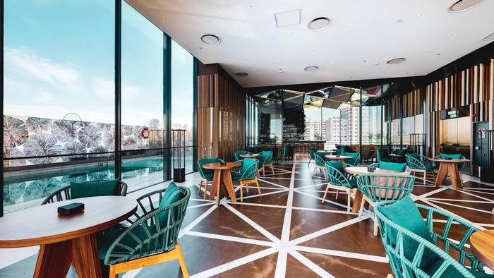 Ginkgo Restaurante & Sky Bar. Обязательно там закажи тарелку с тапас nueva cocina