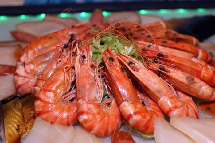 Крабы, креветки, омары - вкусно, но выбирать нужно осторожно