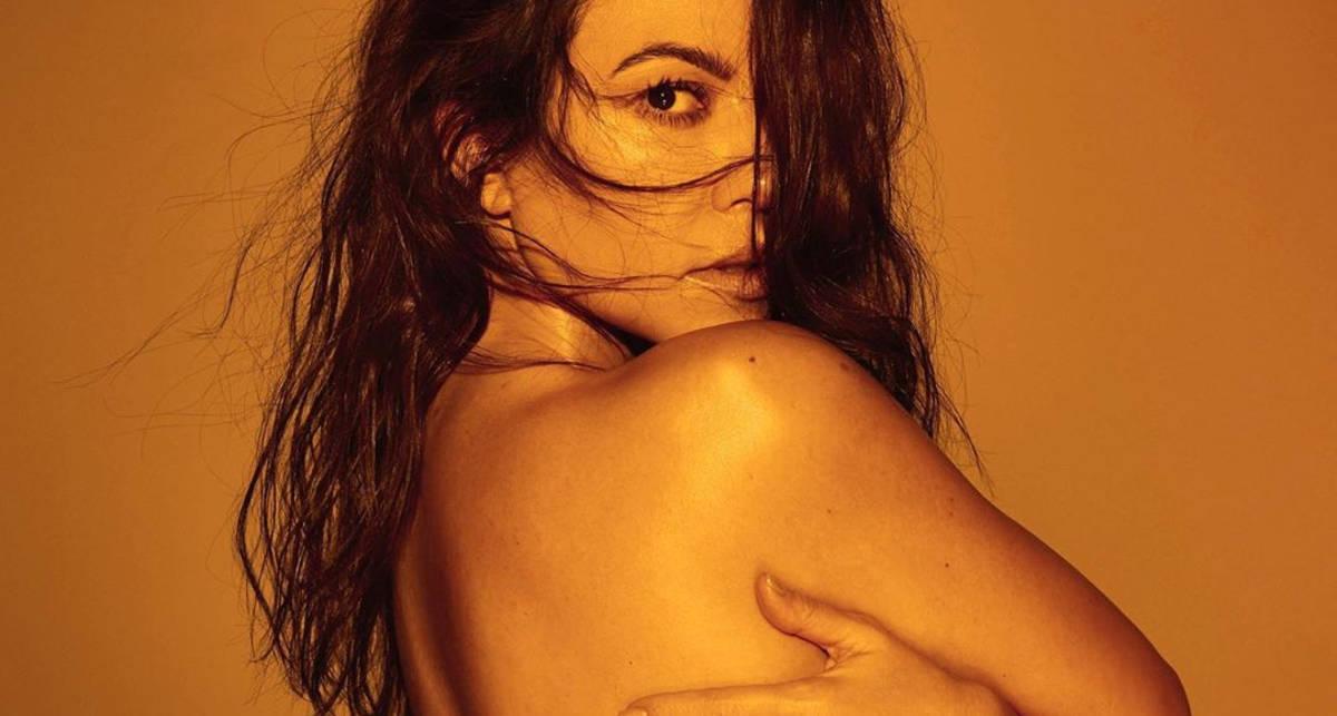 Сочно и дерзко: Кортни Кардашьян снялась в одном купальнике