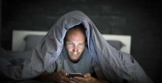 Мобильное порно: какие фильмы для взрослых смотрят на iOS и Android