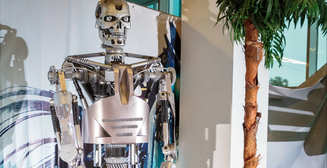 Бамблби и Терминатор: кого можно увидеть на крупнейшей выставке роботов в Украине