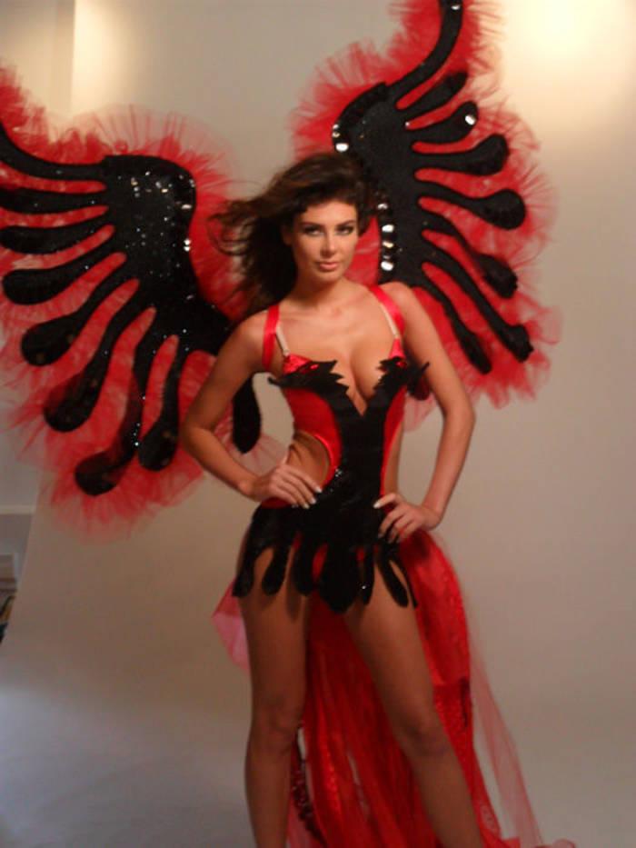 Ангела Мартини