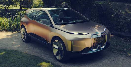 Скандал с BMW: в рекламе предположили, чем люди займутся в автономном авто