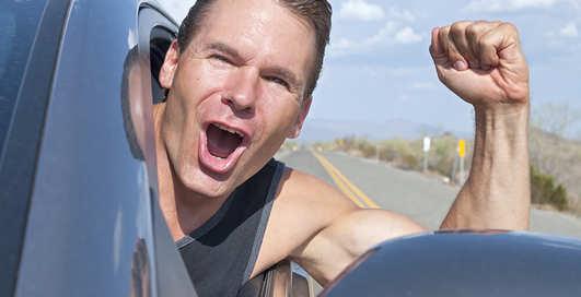 Кофе, жвачка, болтовня: 10 способов не уснуть за рулем