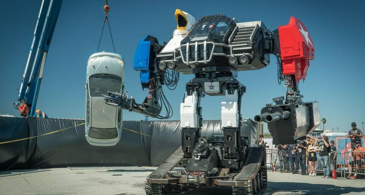 Настоящий боевой робот: в США продают гигантского трансформера с аукциона