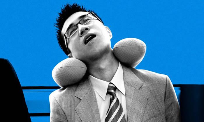 Подушка под голову / шею поможет снять нагрузку с позвоночника